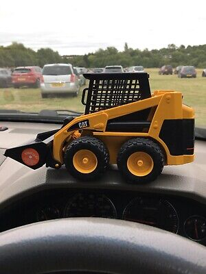 Bruder Caterpillar Bobcat Skid Steer Loader Freepost. • 13.10£