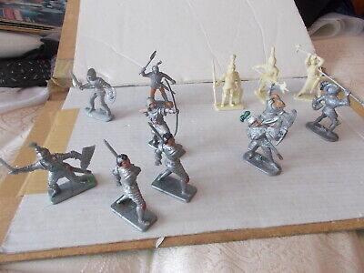 12 X Medieval Knights 4 Crescent,3 Kelloggs,4 Made In West Germany,1 Unbranded • 7.50£