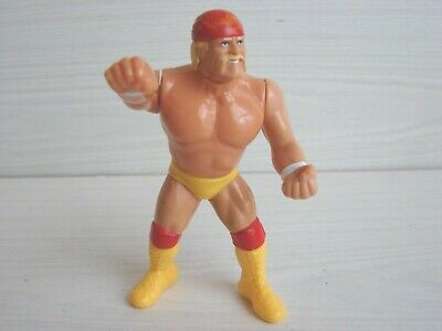 WWF TITAN 1990 HULK HOGAN With Punching Action Wrestling Figure  • 19.99£