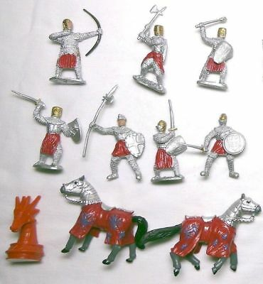 D&D - WARHAMMER KNIGHTS Plastic Action Figures • 8.99£