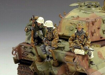 King And Country Set Of German Soldiers Tank Riders • 85£