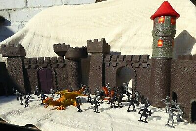 Castle Fortress + 2 Head Dragon + Warrior  Knights / Soldiers. D&d Fantasy • 25£