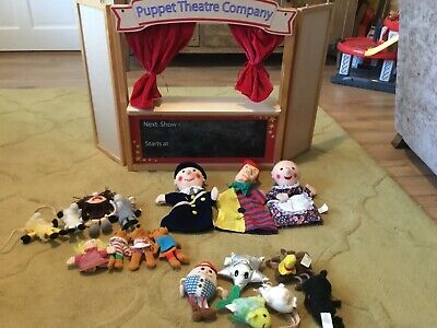 ELC Wooden Puppet Theatre With Puppets • 15£