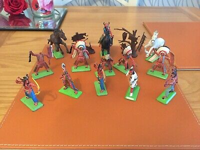 Nice Selection Of Vintage Britains Deetail Indians & Diorama Signs • 4.99£