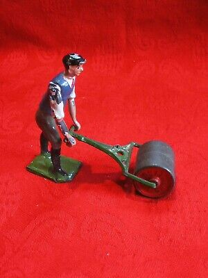 Britains Vintage Lead Farm Garden Man With Lawn Roller • 5£