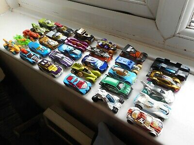 Hot Wheels Job Lot X30 Toy Cars, Fantasy Designs Including 2 Id Cars, Great Cond • 10.50£