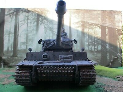Ww2 German Tiger Been Painted And Weathered Good Detail 2.4 1/16 Scale • 165£