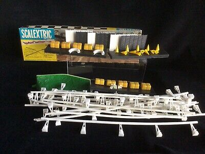 Scalextric Vintage Trackside Accessories. • 24.95£