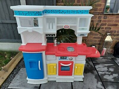 Little Tikes Plastic Kitchen • 20£