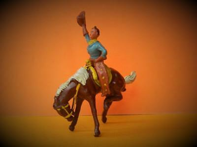 CRESCENT VINTAGE 1950s WILD WEST 2 PC LEAD RODEO COWBOY ON BUCKING BRONCO HORSE • 69.99£