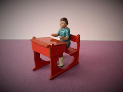 CRESCENT LEAD VINTAGE 50s RARE SCHOOL DAYS SERIES CHILD AT OPENING DESK • 76.49£