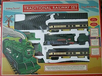 Traditional Railway Train Set With Lights Sound 5.72 M Of Track 2 Switch Points • 22.95£