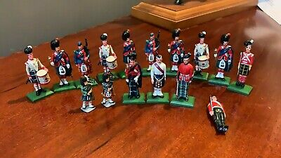 A Fantastic Vintage Collection Of Scottish Lead Figures Soldiers (C1) • 99.99£