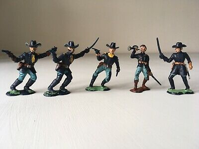 Vintage Crescent US Cavalry Painted Plastic Toy Soldiers. • 4.99£
