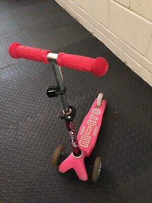 Mini Micro Deluxe 3 Wheel Scooter - Pink MMD003 • 8.50£