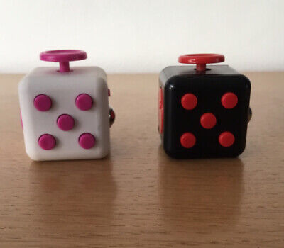 2 X Fidget Cubes - Black/Red & White/Pink - Used • 1.49£