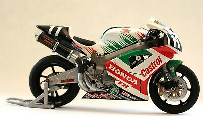 Minichamps Honda VTR 1000 Team Castrol - Rossi/Edwards  Suzuka 8 Hour 2000 • 34£