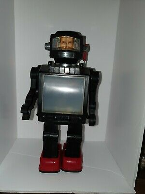 VINTAGE BATTERY OPERATED ROBOT MADE IN Hong Kong  • 0.99£