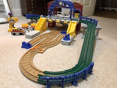 GeoTrax RC Remote Control GRAND CENTRAL STATION Railway • 15£