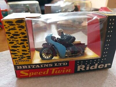Britains Triumph Speed Twin Rider Motorcycle • 50£