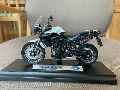 Welly Triumph Tiger 800 1:18 Die Cast Model Used In Box Licensed Motorcycle • 12.50£