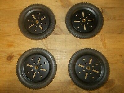 Vintage Meccano Tyres 142b X 4 Plus Black Pulleys 19b X 4 See Pictures • 19.99£
