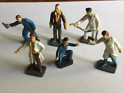 Corgi 1505 Garage Attendants, Complete Set Of Six Figures • 18£