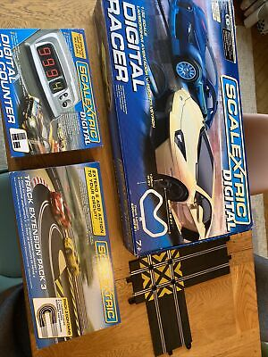 Scalextric Digital Set + Lap Counter + Hairpin  + Crossover • 45£