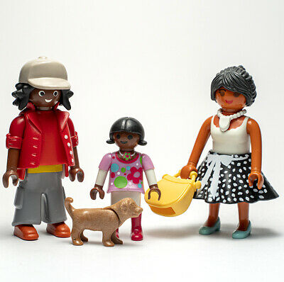 Playmobil Ethnic Family With Puppy - Figures  • 7.25£