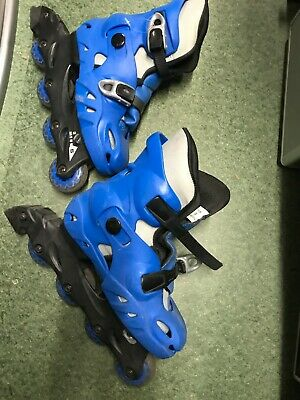 Roller Skate Expandable  Blue With Knee Pads Size 2-5 • 15£