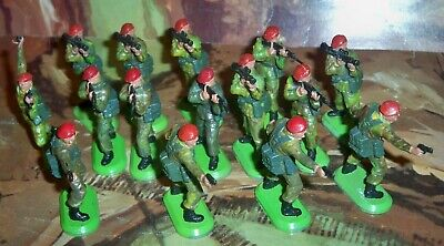 Job Lot Of Britains Super Deetail British Soldiers Paratroopers • 24.75£