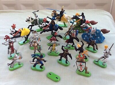 Britains Figures 21 Knights Horses Foreign Fighters 2 With Pull Back Action • 4.99£