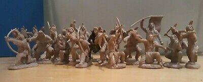 Toy Soldiers 54mm PLAINS INDIAN WARRIORS (1/32 Scale) Plastic • 14.50£