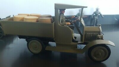 WW1 British Green Army Truck And Wooden Barrels Truck Made Of White Metal  • 37£