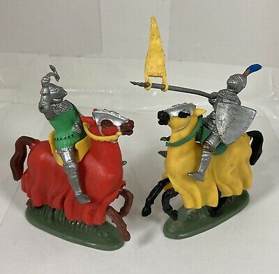 Britains  Model Mounted Knights • 6.95£