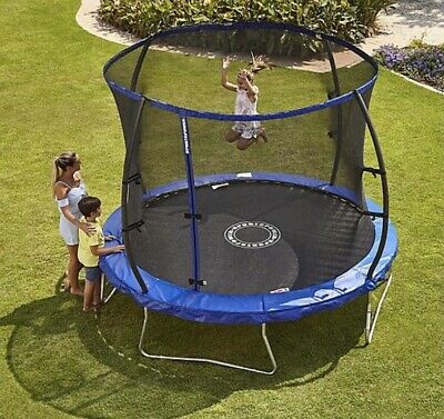 8ft Trampoline With Enclosure • 140£