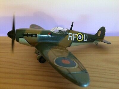 """""""Battle Of Britain"""" Dinky Toys Spitfire 719 With Tested Working Motor • 60£"""