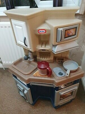 Little Tikes Toy Kitchen - Good Condition With Toy Food & Utensils • 17.50£