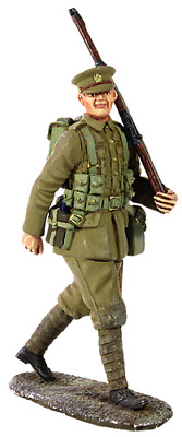 Britains 23066 1914 British Infantry Marching With Full Kit No1 • 21.99£