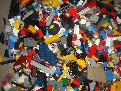1kg /1000g LEGO Bundle Random Bricks Job Lot. Will Get Minifigure • 17£