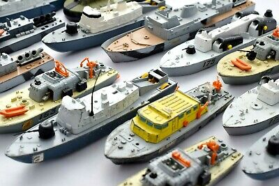 Dinky Selection Of Larger Scale Boats/destroyers & War Ships • 8.99£