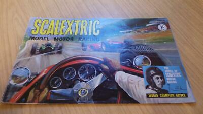 SB214: Scalextric Seventh Edition Catalogue • 12£