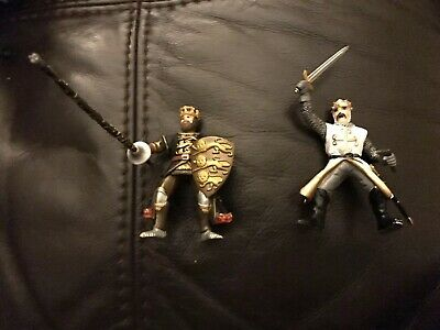 Medieval Knight Figures • 4£