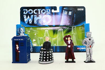 Corgi TY96202; Dr Who; The Doctor, Tardis, Cyberman & Davros; Excellent Boxed • 17.99£