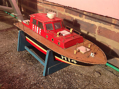 Remote Control  Fire Boat  -  70cm Long Approx • 89£