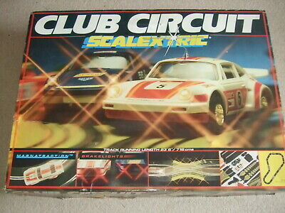 Complete Boxed Club Circuit Scalextric Set. • 55£