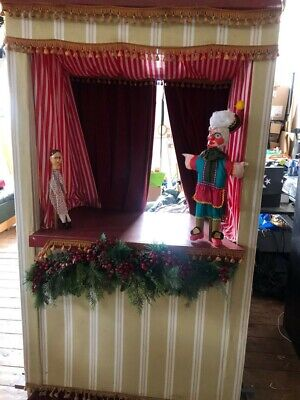 Punch And Judy Display Theatre On Wheels And Puppets • 100£