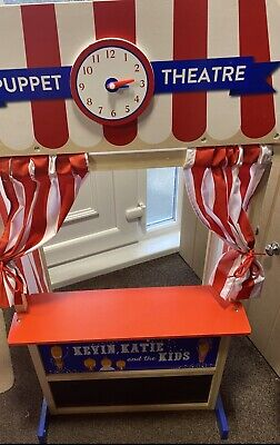 Puppet Theatre With Puppets • 25£