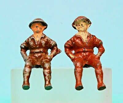 VINTAGE CHARBENS LEAD FARM MODELS - PAIR Of SPARE SEATED FIGURES For CARTS...!! • 9.99£