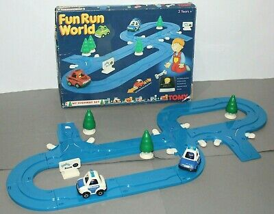 Vintage Tomy Fun Run World - Highway Set (1991) • 23.79£